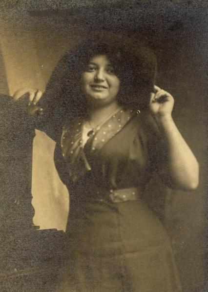 Hilda 9