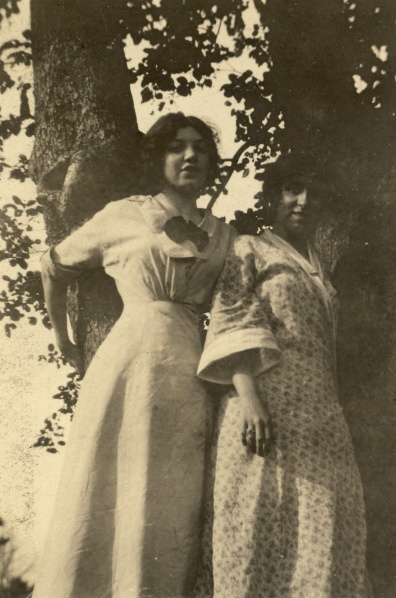 "Here's another image with the same woman. The back of the photograph says, ""Bethel, Conn. August 1912."" Photographer unknown."