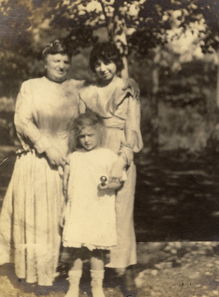 Great-great-grandmother Fanny with Leonor and Margaret. Date and photographer unknown.