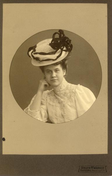 Emmi Lessiack Keil, 1906